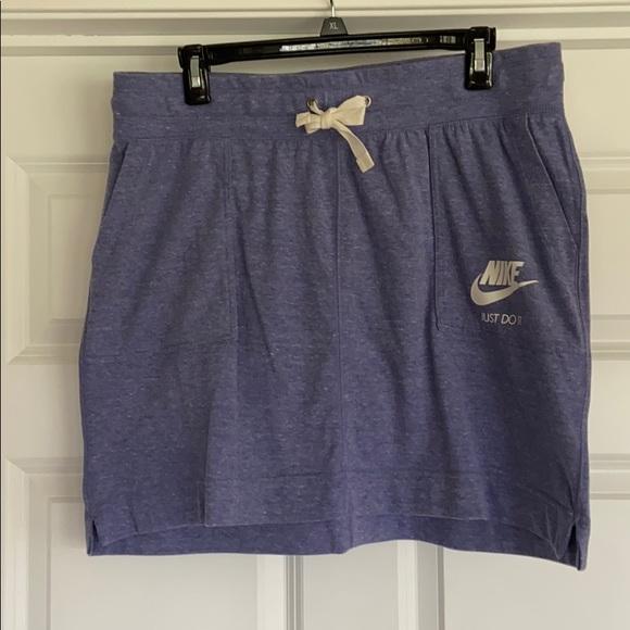 Nike Elastic Waist Skirt. Size L.